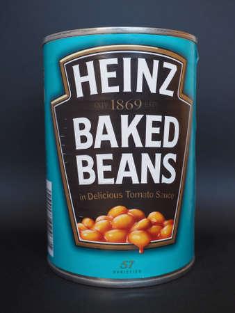 tin can: PITTSBURGH, USA - JANUARY 6, 2015: Tin can of Heinz baked beans in tomato sauce Editorial