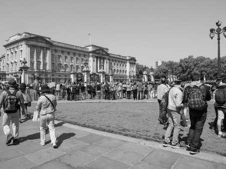 buckingham palace: LONDON, UK - JUNE 11, 2015: Buckingham Palace in black and white