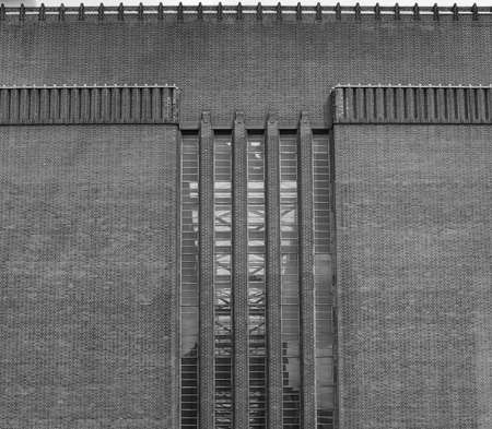 powerstation: Tate Modern art gallery in South Bank powerstation in London, UK in black and white