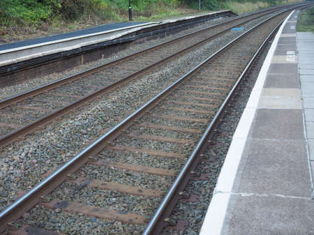 ferrocarril: Vías del tren de ferrocarril para el transporte público de tren
