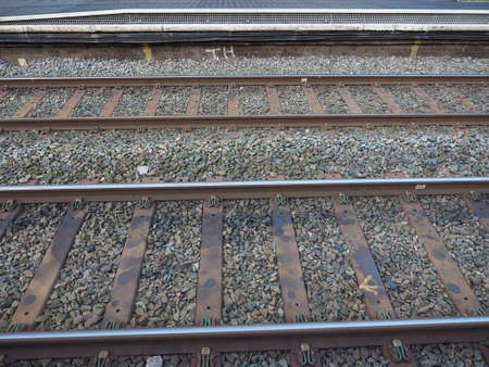 the railroad: Vías del tren de ferrocarril para el transporte público de tren