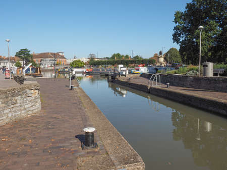 canal lock: Canal lock gate in Stratford upon Avon, UK