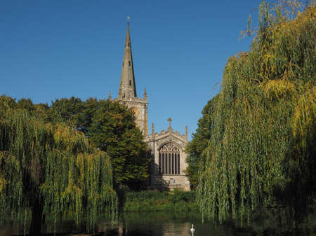 holy trinity: Holy Trinity church seen from River Avon in Stratford upon Avon, UK