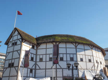 globe theatre: LONDON, UK - SEPTEMBER 28, 2015: The Shakespeare Globe Theatre Editorial