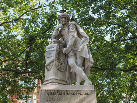 leicester: Statue of William Shakespeare built in 1874 in Leicester Square in London, UK