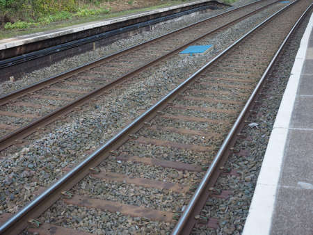 ferrocarril: V�as del tren de ferrocarril para el transporte p�blico de tren