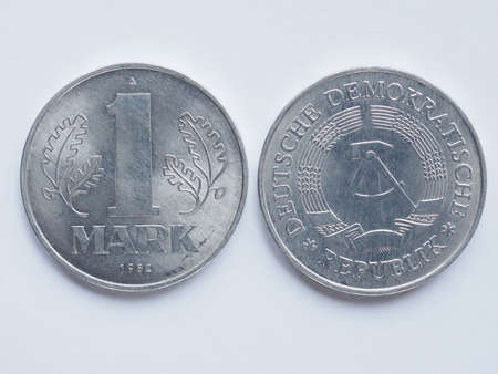 republik: Vintage DDR (German Democratic Republic) 1 mark coin