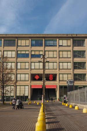 TORINO, ITALIA - 16 dicembre 2015: Il centro Lingotto progettato da Mattè Trucco nel 1919 come Fiat auto fabbrica isand è ora un centro congressi e affari restaurato da Renzo Piano Editoriali