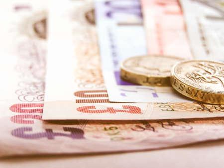 banconote euro: Particolare di Euro e Sterline epoca soldi valuta