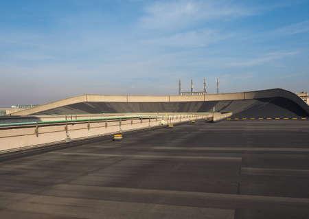 TORINO, ITALIA - 16 dicembre 2015: tetto pista al Lingotto ex fabbrica di automobili della Fiat