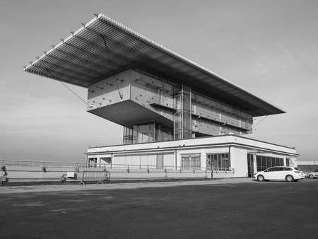 TORINO, ITALIA - 16 dicembre 2015: Pinacoteca Agnelli progettata da Renzo Piano al Lingotto ex fabbrica di automobili della Fiat Editoriali