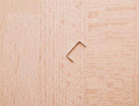 Staples sur une table bureau en bois vintage bureau