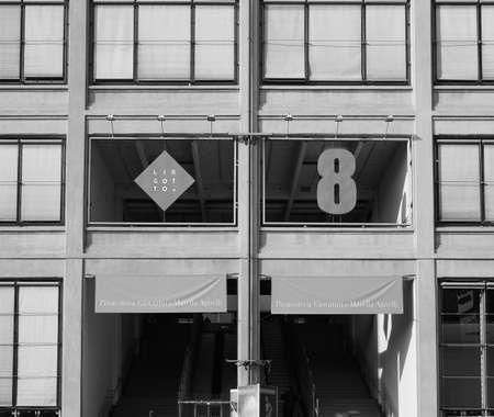TORINO, ITALIA - 16 dicembre 2015: Il centro Lingotto progettato da Mattè Trucco nel 1919 come Fiat auto fabbrica isand è ora un centro congressi e affari restaurato da Renzo Piano