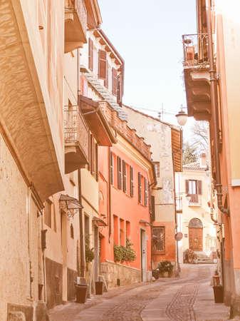 Mit Blick auf die Altstadt in Rivoli, Turin, Italien Jahrgang