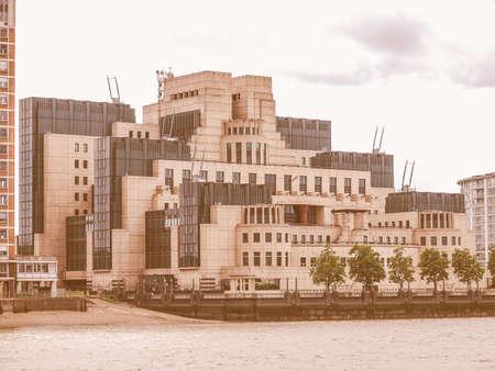 inteligencia: sede de SIS MI6 brit�nico del Servicio Secreto de Inteligencia en Vauxhall Cross Londres de la vendimia