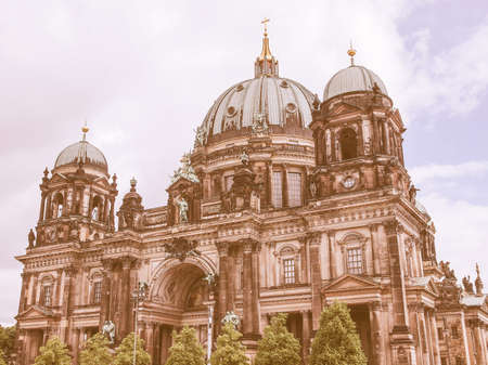 dom: Berliner Dom cathedral church in Berlin Germany vintage Banque d'images