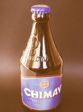 belgie: BRUSSELS, BELGIUM - JANUARY 6, 2015: Bottle of Belgian trappist beer Chimay Blue vintage Editorial