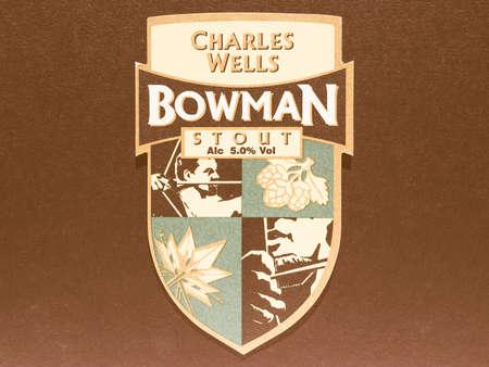 stout: LONDRES, Reino Unido - 11 diciembre 2014: Beermat de cerveza británico Charles Wells Bowman Stout vendimia