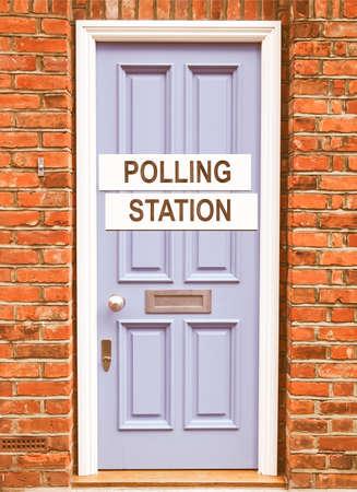 encuestando: Lugar centro de votaci�n para que los votantes votaron en las elecciones de la vendimia
