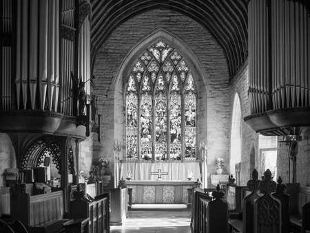 saint nick: TANWORTH IN ARDEN, UK - SEPTEMBER 25, 2015: Parish Church of St Mary Magdalene interior view in black and white Editorial