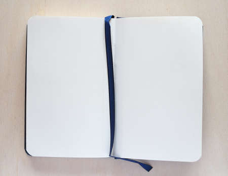 drawing pad: Blank paper page of a notepad with copy space Stock Photo