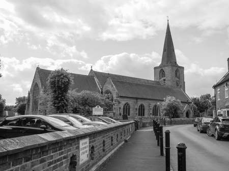 arden: TANWORTH IN ARDEN, UK - SEPTEMBER 25, 2015: Parish Church of St Mary Magdalene in black and white Editorial