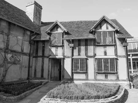 home birth: STRATFORD UPON AVON, UK - SEPTEMBER 26, 2015: William Shakespeare birthplace in black and white