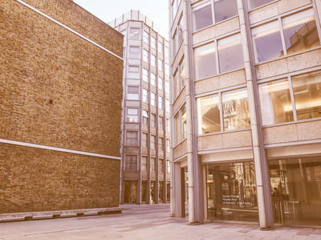 blow up: LONDON, ENGLAND, UK - MARCH 04, 2009: The Economist Building designed in 1962 by Alison and Peter Smithson is a masterpiece of new brutalist architecture also featured in the opening scene of Michelangelo Antonioni movie Blow Up vintage Editorial