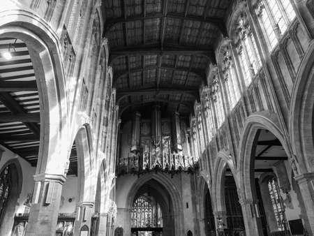stratford upon avon: STRATFORD UPON AVON, UK - SEPTEMBER 26, 2015: Holy Trinity church interior in black and white