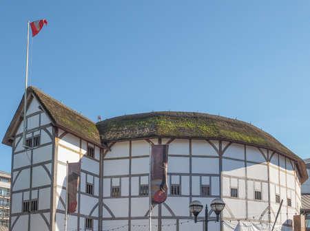globe theatre: LONDON, UK - SEPTEMBER 28, 2015: The Shakespeare Globe Theatre Editorial