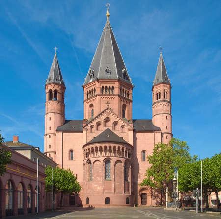 dom: Mainzer Dom cath?drale de Mayence en Allemagne Banque d'images