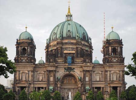 dom: Berliner Dom signifie Berlin Cathédrale église à Berlin, Allemagne Banque d'images