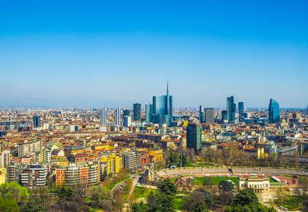 Wysoki zakres dynamiki HDR Widok z lotu ptaka na miasto Mediolan Zdjęcie Seryjne
