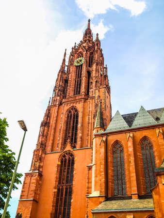 dom: Gamme dynamique élevée HDR Frankfurter Dom Cathedral à Roemerberg Frankfurt am Main Allemagne Banque d'images