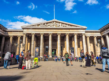 british museum: LONDON, UK - SEPTEMBER 28, 2015: Tourists visiting the British Museum (HDR)