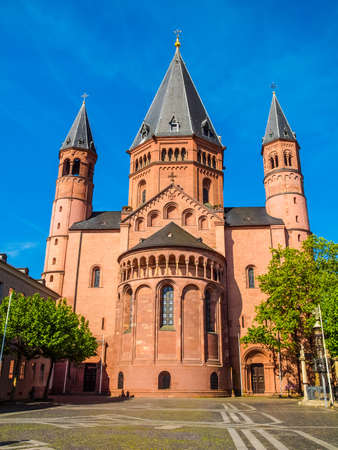 dom: High dynamic range HDR Mainzer Dom cathedral in Mainz in Germany