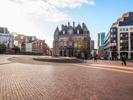 BIRMINGHAM, UK - SEPTEMBER 25, 2015: Tourists visiting the city (HDR)