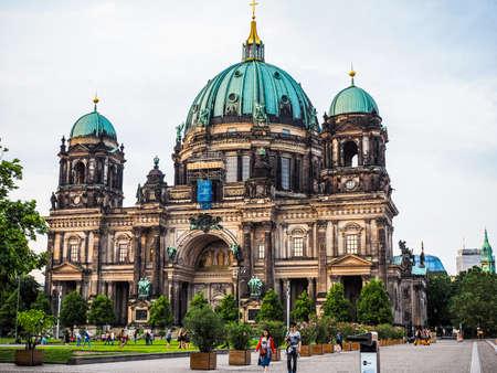 dom: BERLIN, ALLEMAGNE - CIRCA juin 2016: Berliner Dom signifie Berlin cathédrale église (HDR)