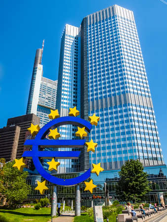 banco mundial: FRANKFURT AM MAIN, GERMANY - JULY 5: The world famous building of the European Central Bank. on July 5, 2013 in Frankfurt am Main, Germany (HDR) Editorial