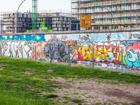 mauer: BERLIN, GERMANY - CIRCA JUNE 2016: East side gallery international memorial for freedom is a section of the Berlin Wall with graffiti street art in Friedrichshain Kreuzberg (HDR)