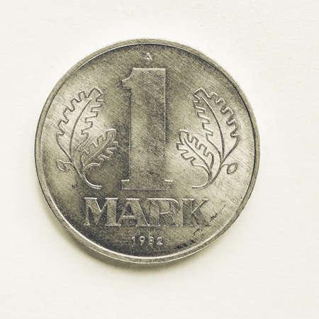 republik: Vintage looking Vintage DDR (German Democratic Republic) 1 mark coin