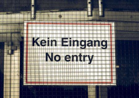 deutsch: Vintage looking A traffic or a construction site sign - in German (Deutsch)