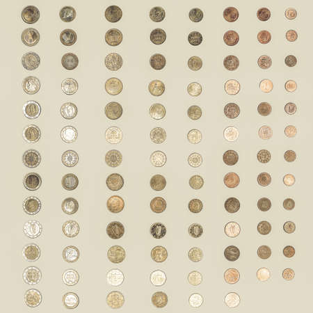 geld: Vintage looking Euro coin from all countries of the European Union