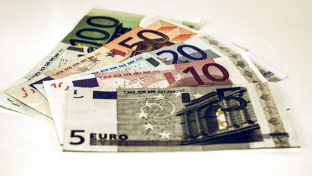 geld: Vintage looking Euro banknote (currency of the European Union) - selective focus