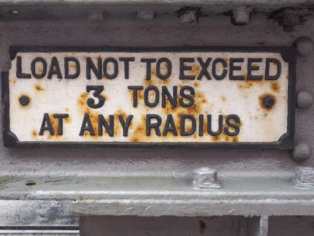 tons: Load not to exceed 3 tons at any radius sign