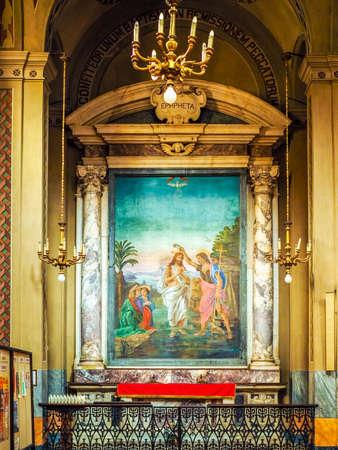 pila bautismal: Turín, Italia - alrededor de junio de 2016: fuente bautismal en San Donato Inmaculada Concepción (que significa Inmaculada Concepción) iglesia (HDR)