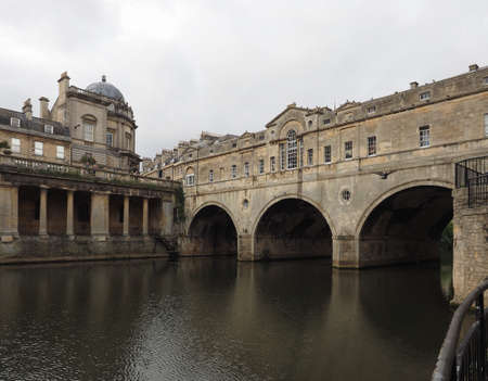 Pulteney Bridge over the River Avon in Bath, UK Stock Photo