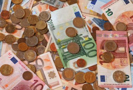 banconote euro: Euro (EUR) banconote e monete, moneta dell'Unione Europea (UE) Archivio Fotografico