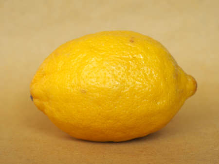 limon: yellow lemon (Citrus x limon) fruit vegetarian food Stock Photo