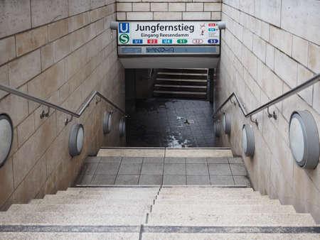 u bahn: HAMBURG, GERMANY - CIRCA MAY 2017: Jungfernstieg underground station entrance Editorial